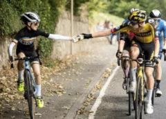 12-летний мальчик с обочины обогнал всех на велогонке Великобритании, и теперь его ждут на финале